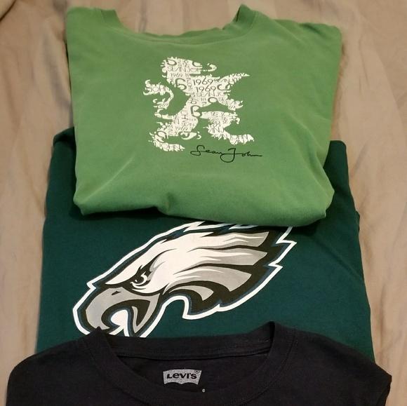 Levi's Other - T shirt bundle